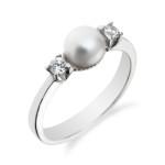 Co dělat, když se vám nelíbí zásnubní prsten, který vám vybral váš milovaný?