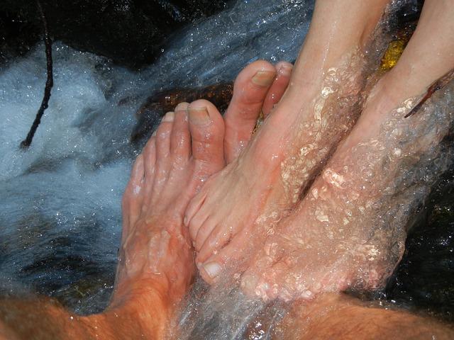 feet-423092_640