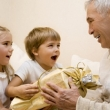 Jak vybrat vánoční dárky pro dědečka a babičku?