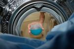 Triky na praní pracovních oděvů, zejména montérek