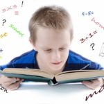 """Nepozornost, nervozita, pláč… Jak přimět děti, aby si vypracovaly domácí úkoly rychle a """"v pohodě""""?"""